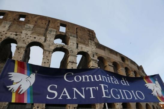 Sant'Egidio - al Colosseo per dire no alla violenza sui cristiani4