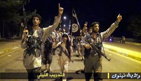 Iraq, RECLUTE BAMBINI L'ISIL Stato Islamico dell'Iraq e del Levante allena le sue reclute a Mosul, capitale del califfato islamico
