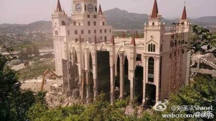 Cina - chiese distrutte e croci rimosse3