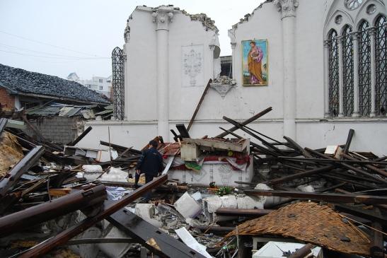Cina - chiese distrutte e croci rimosse7